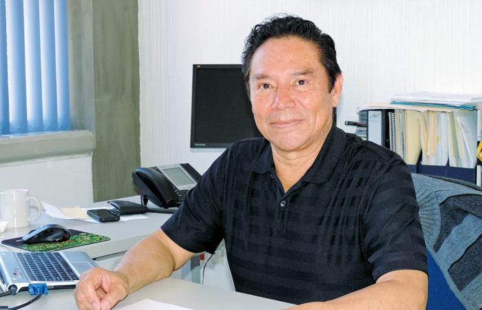 Dr Luis Chias