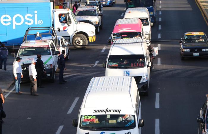 En puebla regulan a operadores de transporte público