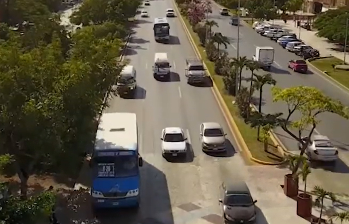 Hoteleros culpan al transporte público por contagios de Covid en Cancún