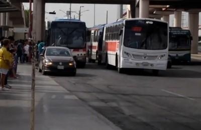 Caintra Nuevo León urge a mejorar servicio de transporte urbano