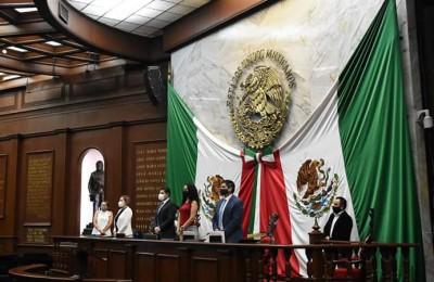 Michoacán tendrá transporte gratuito para adultos mayores