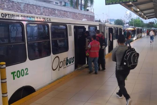 Para disminuir aglomeraciones aumentan corridas de transporte en León